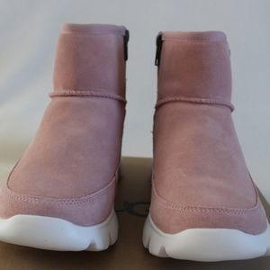 UGG Palomar Sneakers/Ankle Boots Pink Size 7